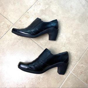 Aerosoles slip on black booties